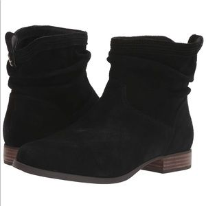 Kookaburra by Ugg slouchy Suede mid Ankle Boots!